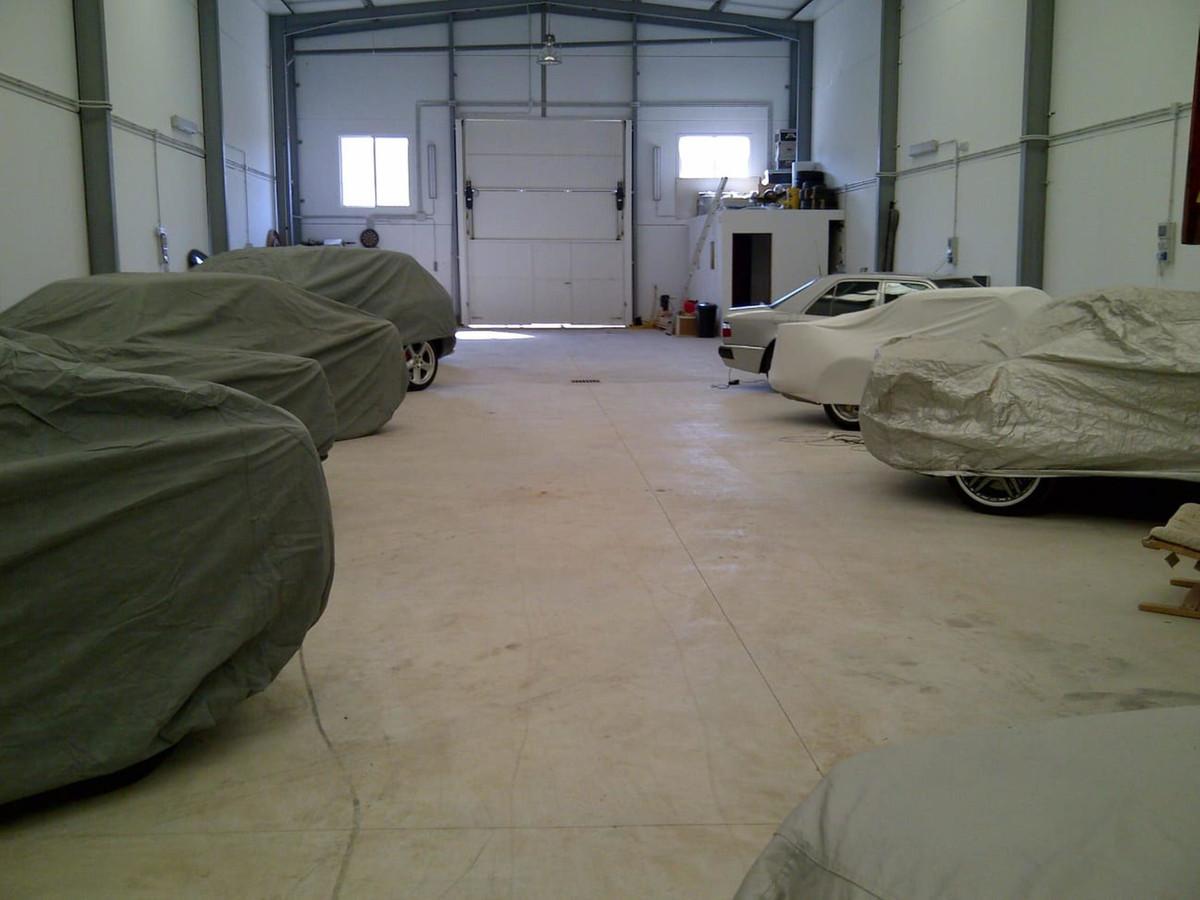 Commercial Premises for sale in Estepona R3657299