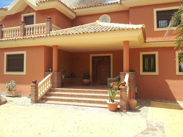 House in Alhaurín de la Torre R2537489 3