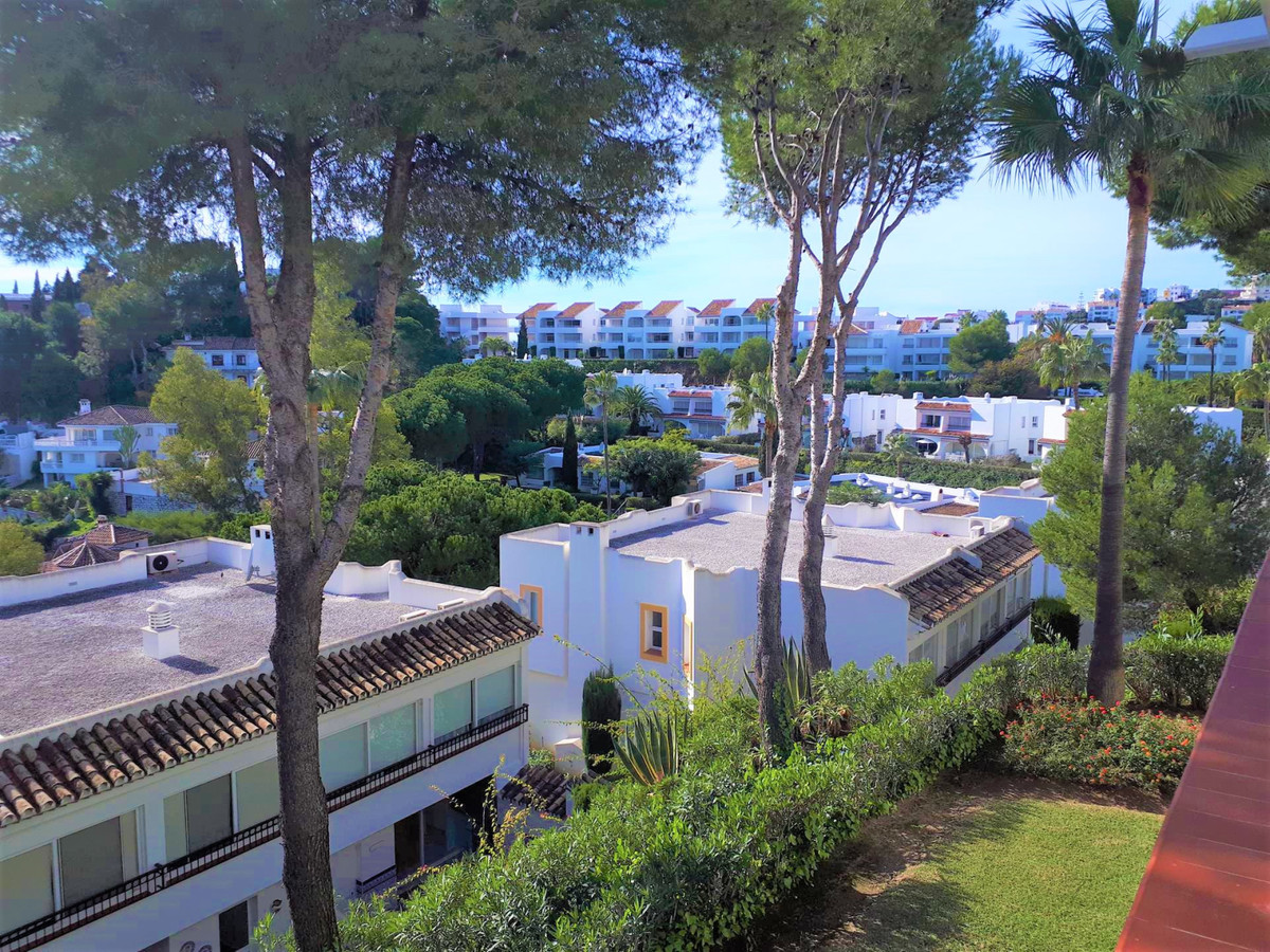 Fantastic and beautiful middle floor apartment in the more famous resort of the Costa del Sol, Miraf,Spain