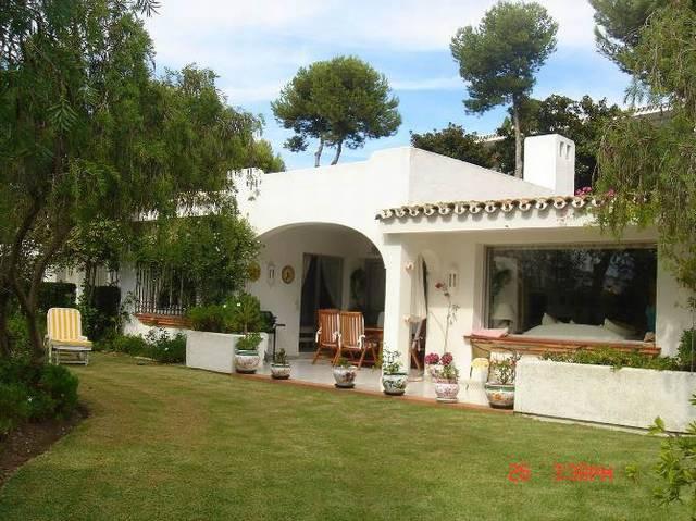 3 bed villa for sale miraflores