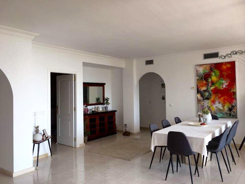 Apartamento con 3 Dormitorios en Venta Miraflores