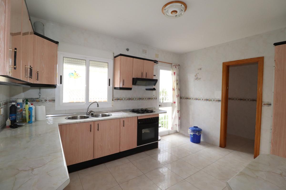 House in Alhaurín de la Torre R3616367 11