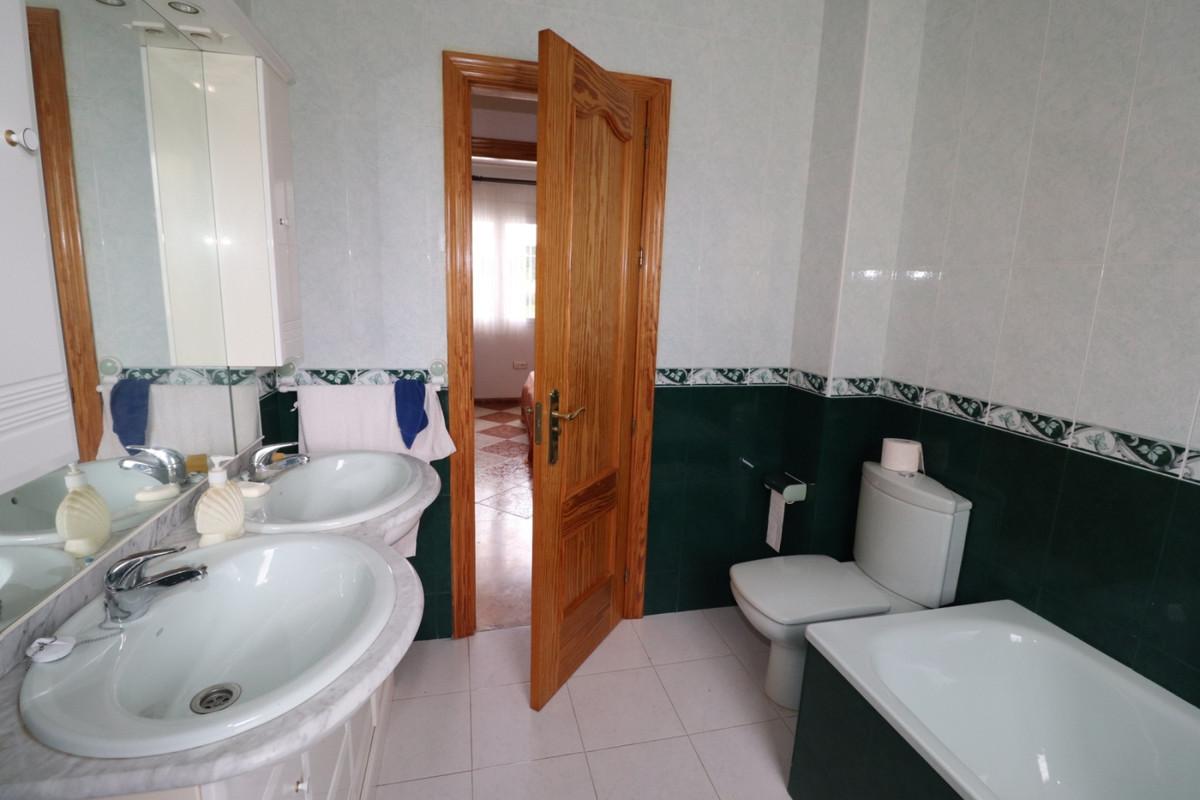 House in Alhaurín de la Torre R3616367 22