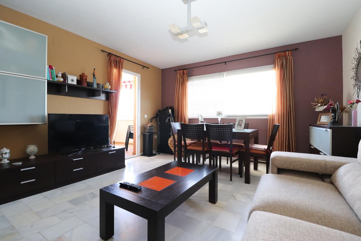 Middle Floor Apartment, Las Lagunas, Costa del Sol. 2 Bedrooms, 1 Bathroom, Built 143 m², Terrace 15,Spain