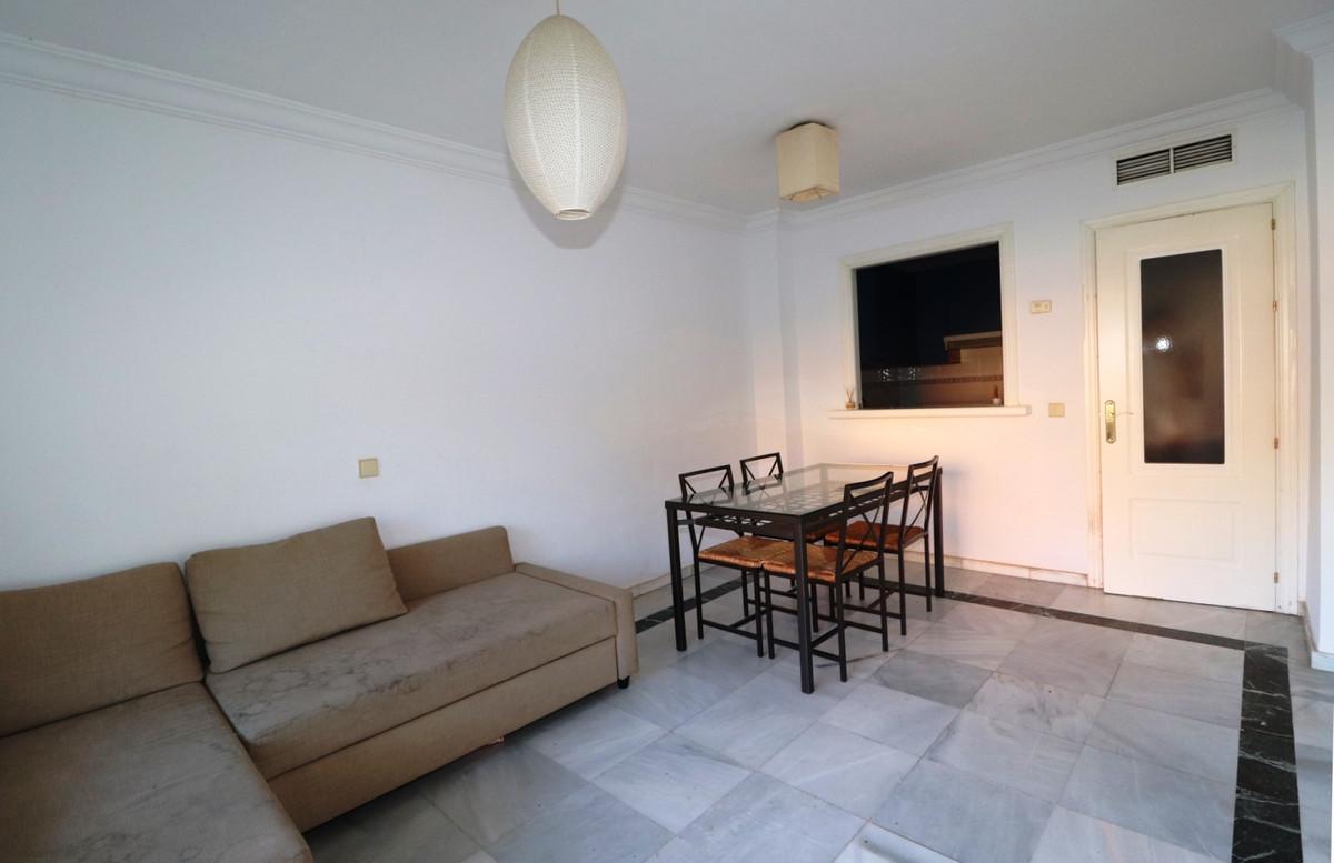 Apartament na środkowym piętrze w Nagüeles R3518788
