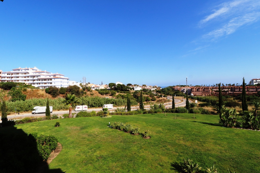 Middle Floor Apartment in El Faro