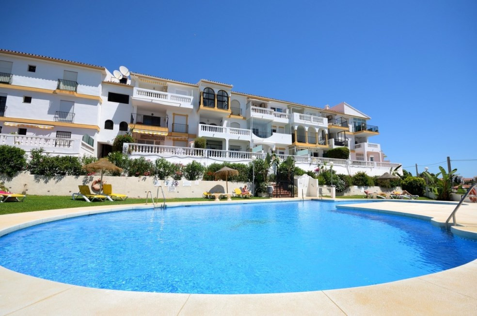 Bright modernized apartment with wonderful views to the sea for sale in El Faro. It consists of one ,Spain