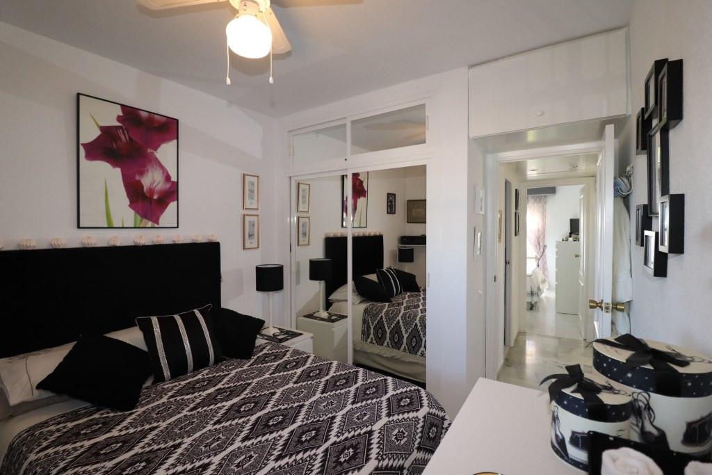 R2227868: Apartment for sale in El Faro