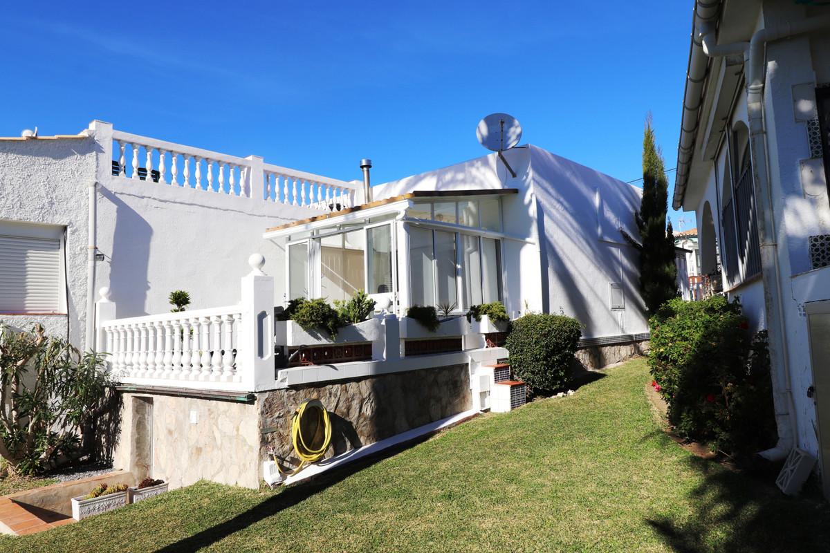 Semi Detached Villa in El Faro