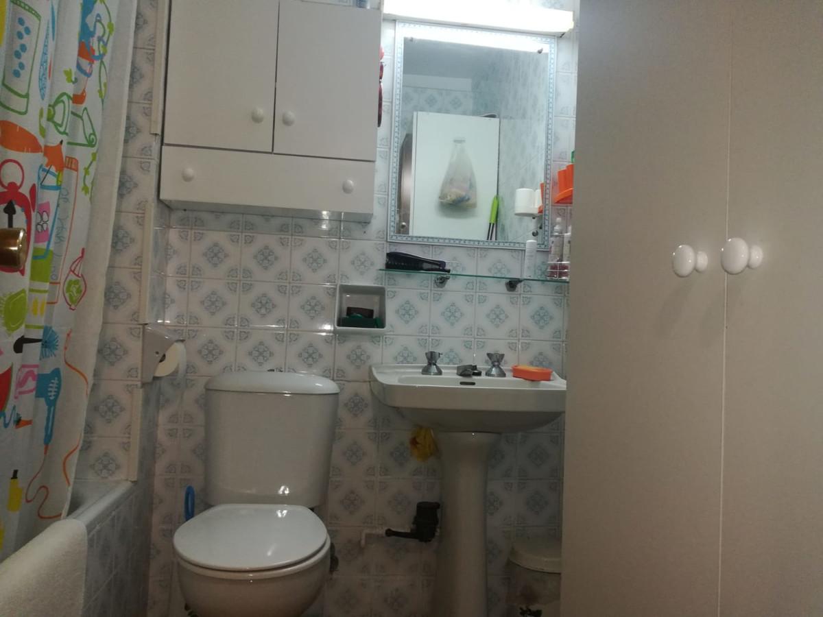 1 Bedrooms - 1 Bathrooms
