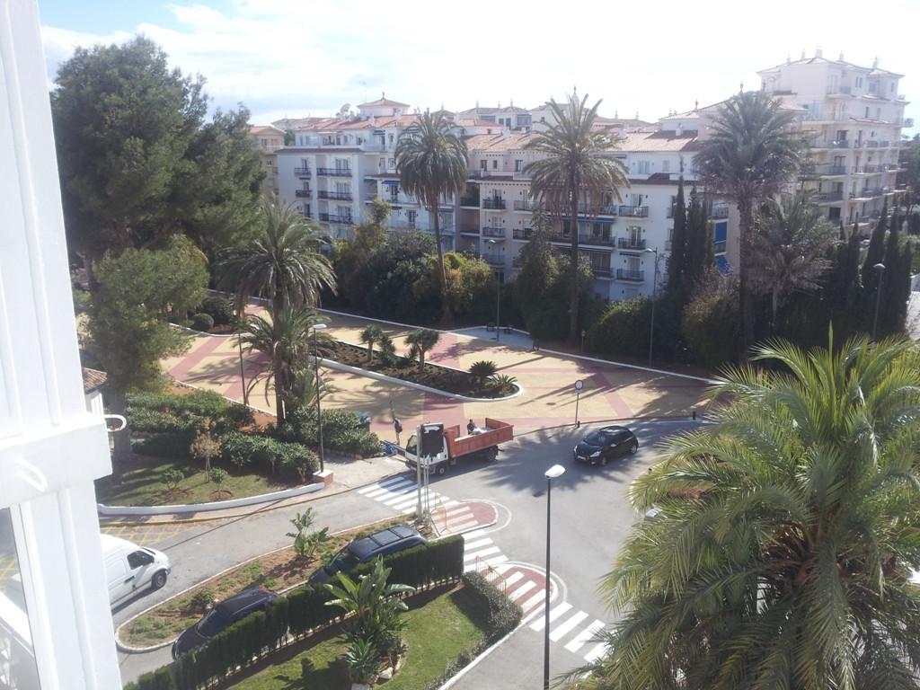 Middle Floor Apartment, Puerto Banus, Costa del Sol. 2 Bedrooms, 2 Bathrooms, Built 220 m², Terrace ,Spain