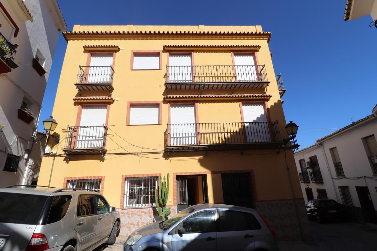 Ground Floor Apartment, Monda, Costa del Sol. 3 Bedrooms, 2 Bathrooms, Built 113 m².  Setting : Vill,Spain