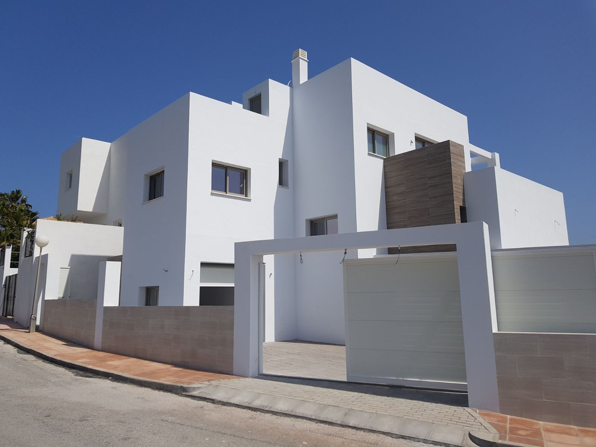 Detached Villa, El Faro, Costa del Sol. 4 Bedrooms, 3 Bathrooms, Built 205 m², Terrace 133 m², Garde,Spain
