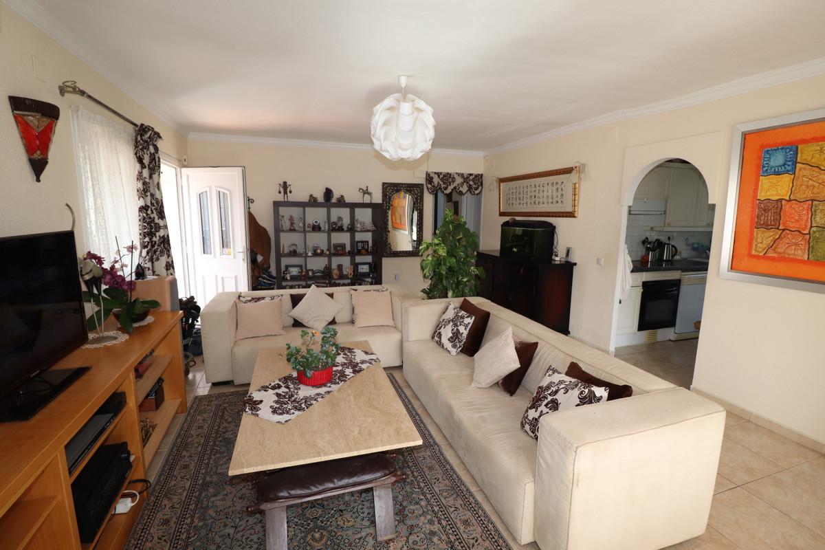 Detached Villa, Mijas, Costa del Sol. 4 Bedrooms, 2 Bathrooms, Built 110 m², Terrace 25 m².  Setting,Spain