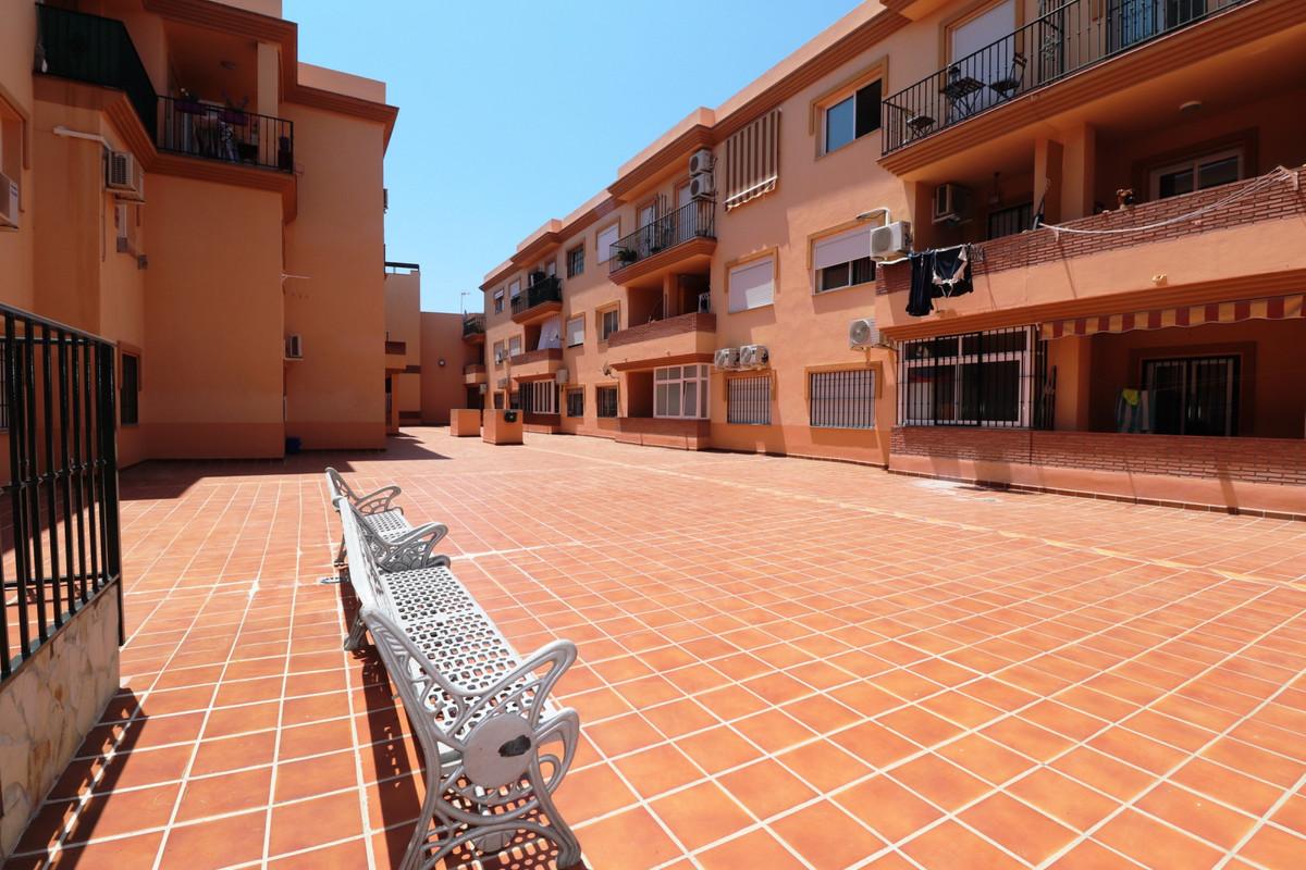 Middle Floor Apartment, Coin, Costa del Sol. 2 Bedrooms, 1 Bathroom, Built 75 m², Terrace 5 m².  Set,Spain