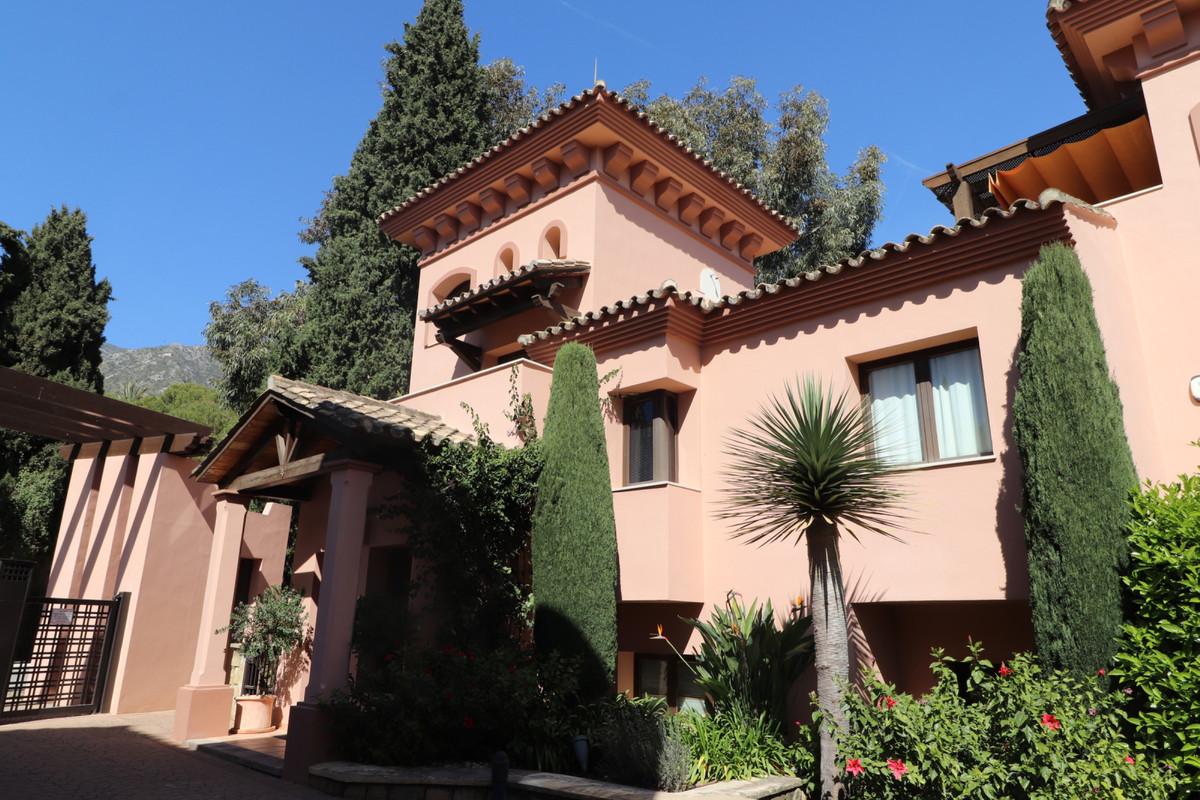 Townhouse in Sierra Blanca