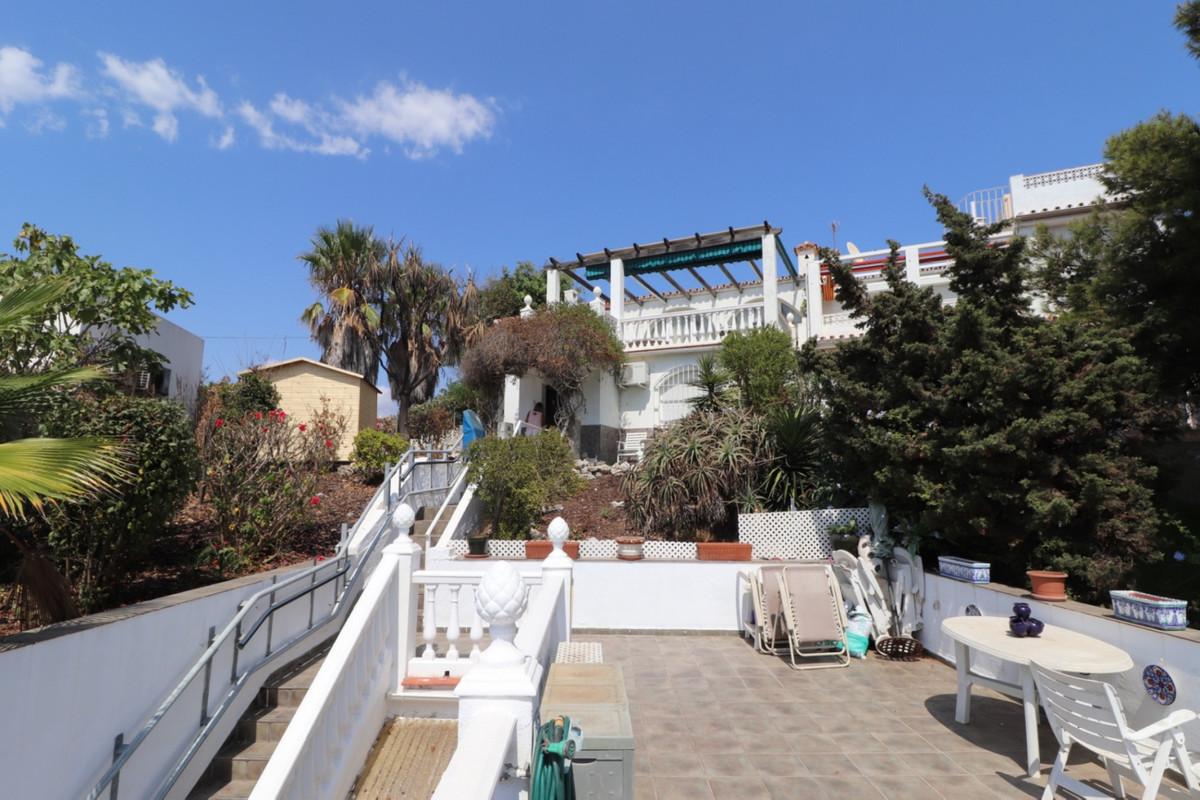 Halbe Freistehende Villa in El Faro