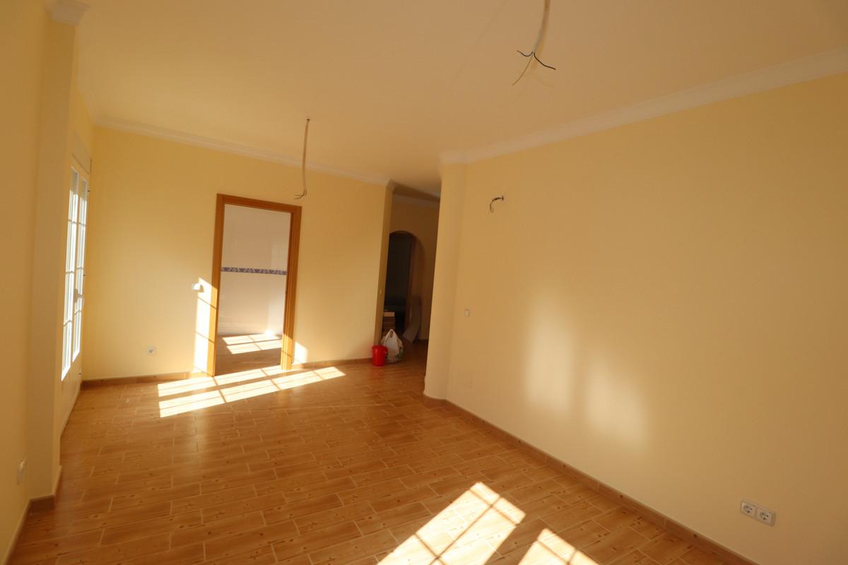 Middle Floor Apartment in Monda