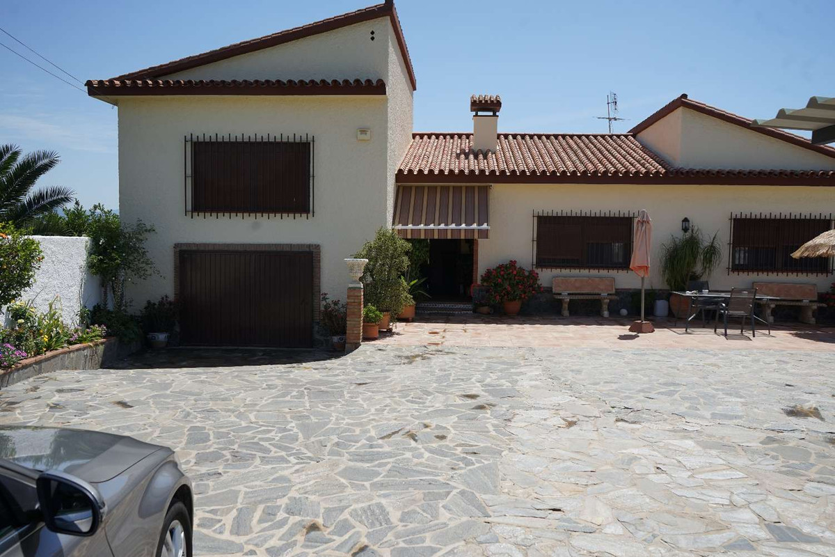 House in Alhaurín de la Torre R3875716 1