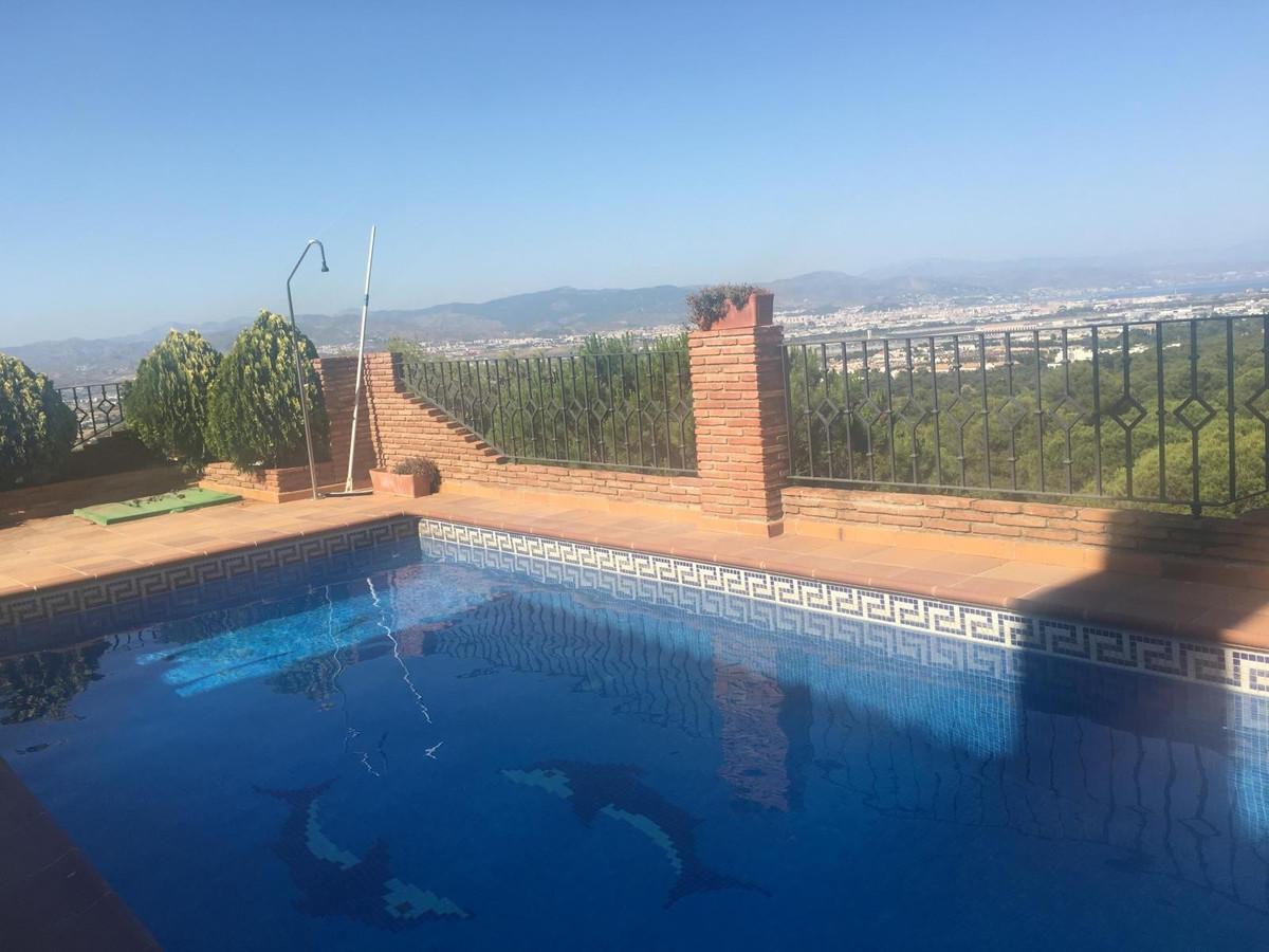 House in Alhaurín de la Torre R3260752 40