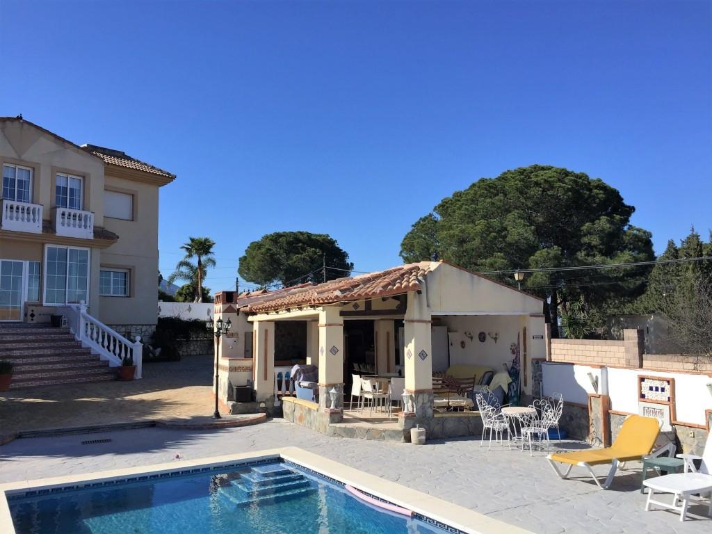 House in Alhaurín de la Torre R3048127 2