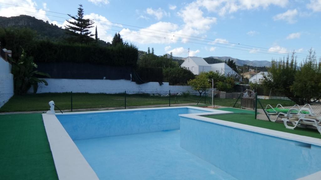Detached Villa in Alhaurín de la Torre R3048130