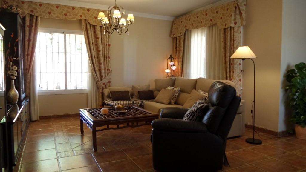 House in Alhaurín de la Torre R3057997 9