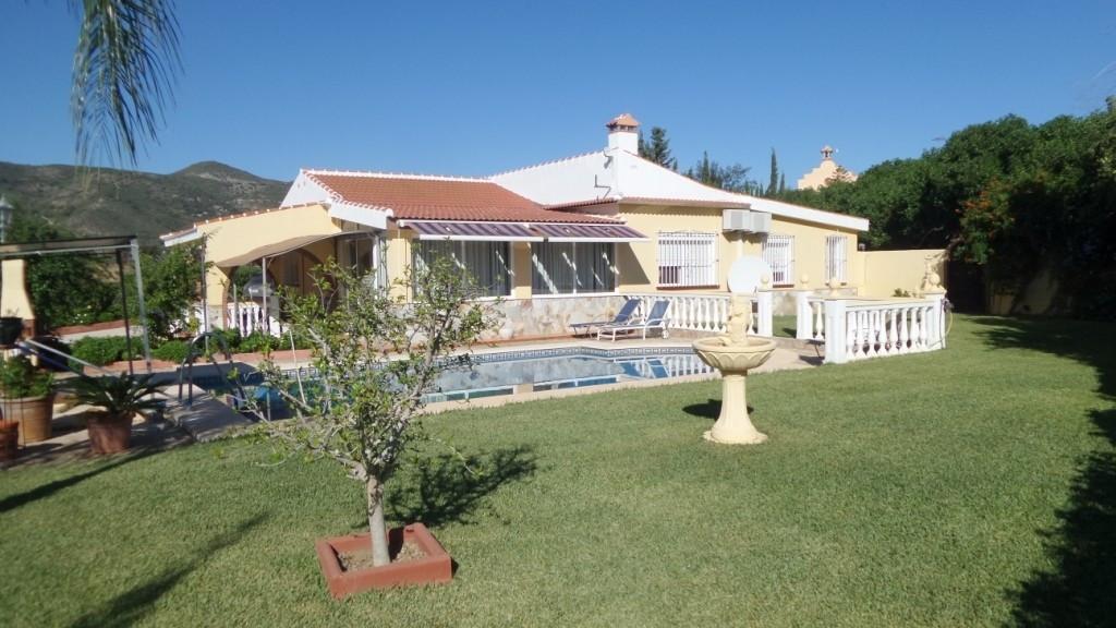 Villa in Alhaurin de la Torre located in a privileged environment. Villa located close to  Costa delSpain