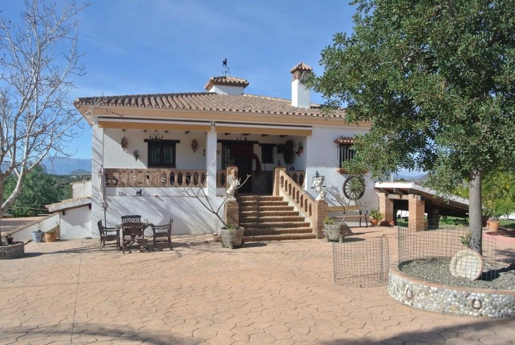 House in Alhaurín de la Torre R3349705 1
