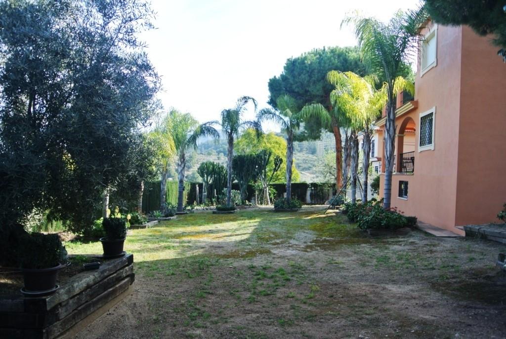 House in Alhaurín de la Torre R3364327 42