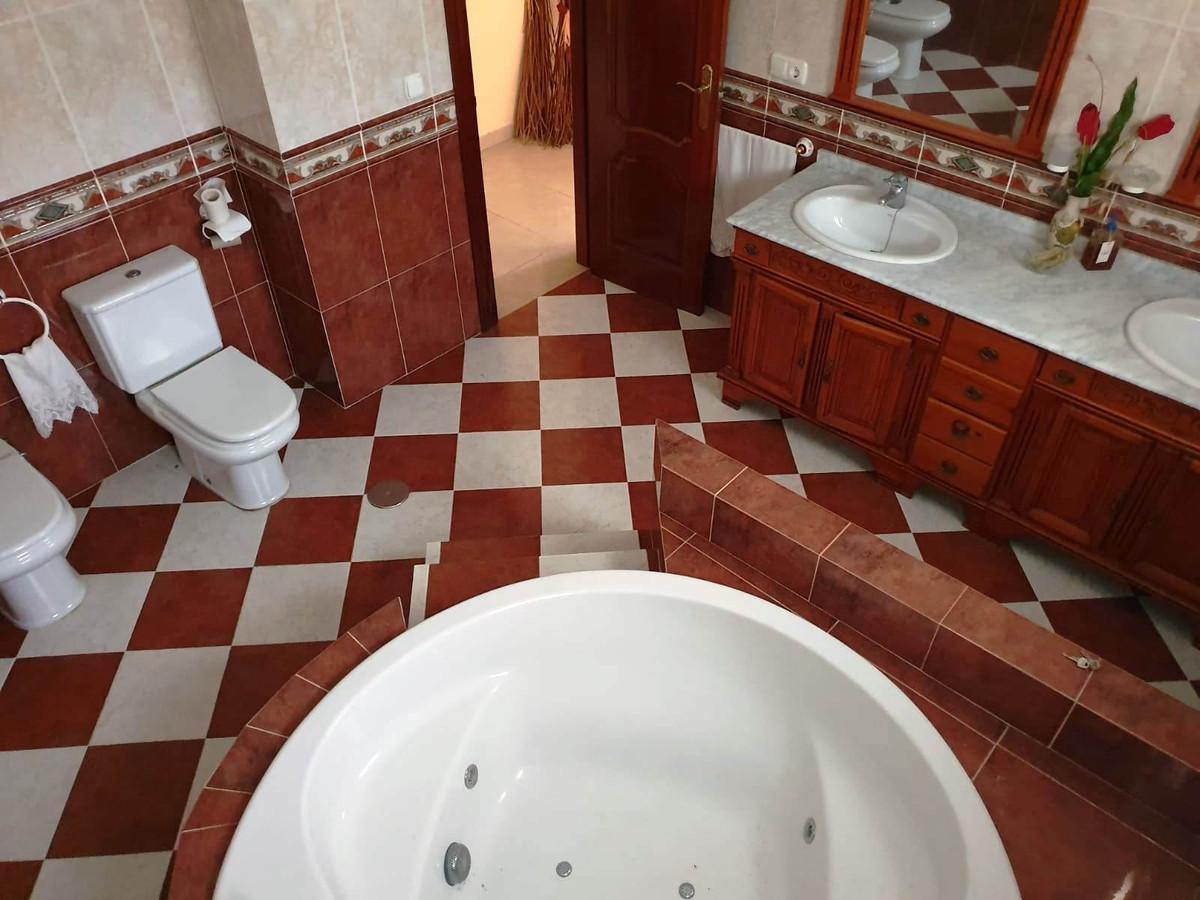 House in Alhaurín de la Torre R3514294 19