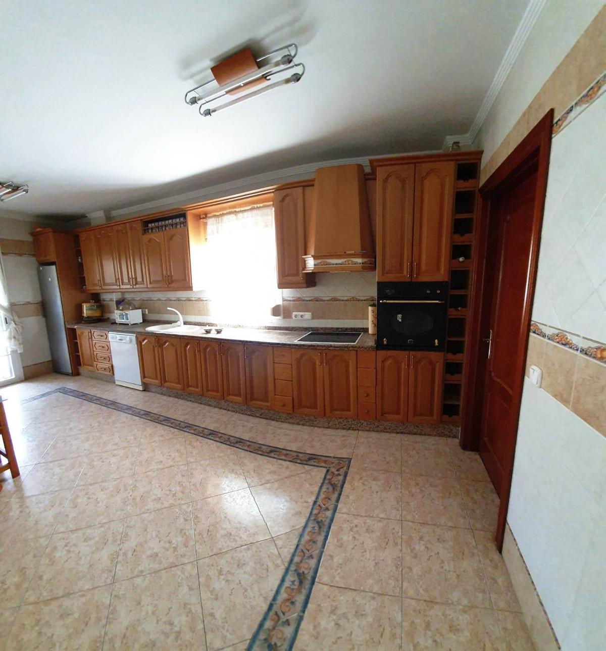 House in Alhaurín de la Torre R3514294 9