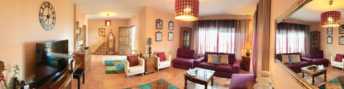 House in Alhaurín de la Torre R3187867 10