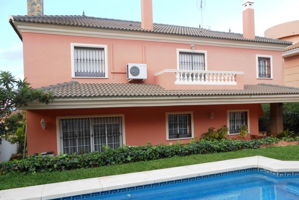 Villa in Alhaurin de la Torre located in a privileged environment. Villa on the Costa del Sol from w,Spain