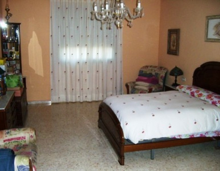 Villa con 5 Dormitorios en Venta Alhaurín de la Torre