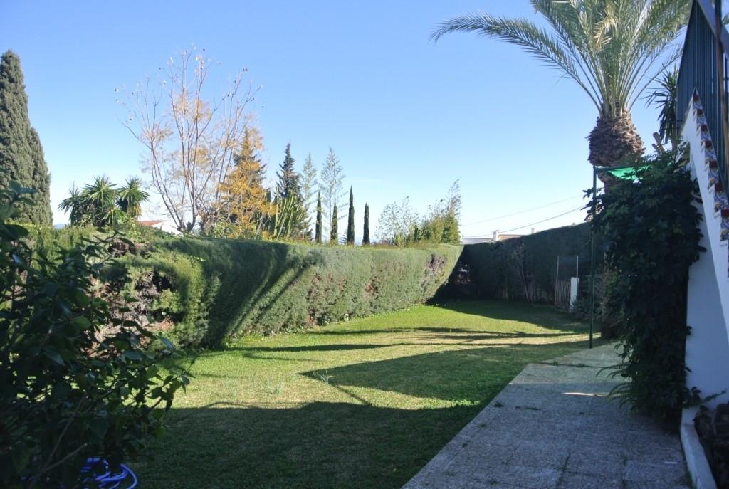House in Alhaurín de la Torre R3386995 36
