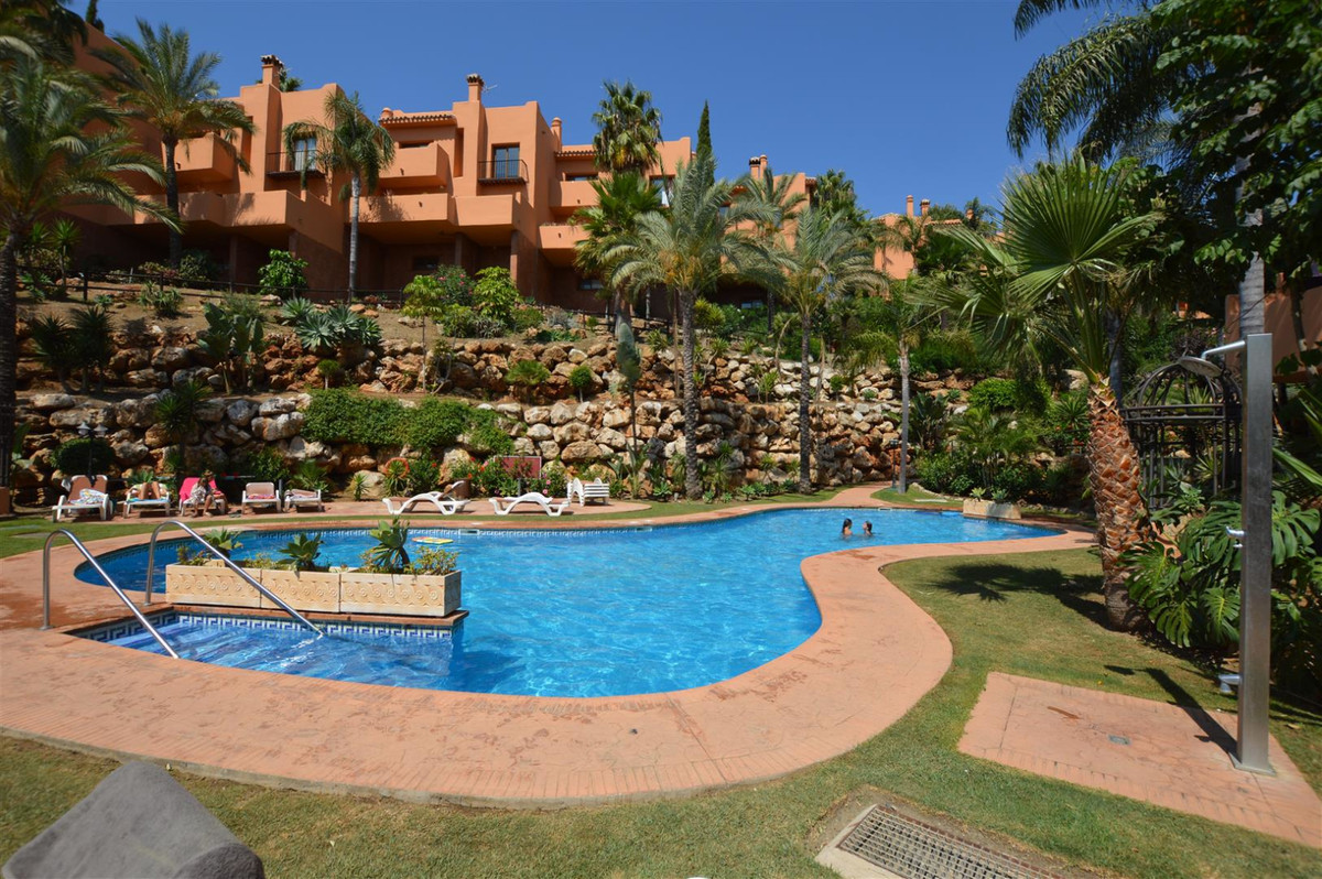 Wonderful 5 bedroom townhouse in urbanization Riviera Hills Club. Luxurious urbanization with garden,Spain