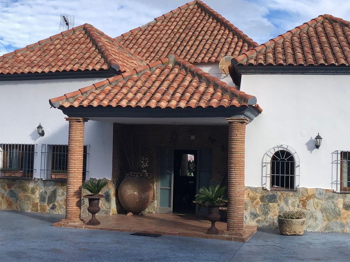 House in Alhaurín de la Torre R3794197 2