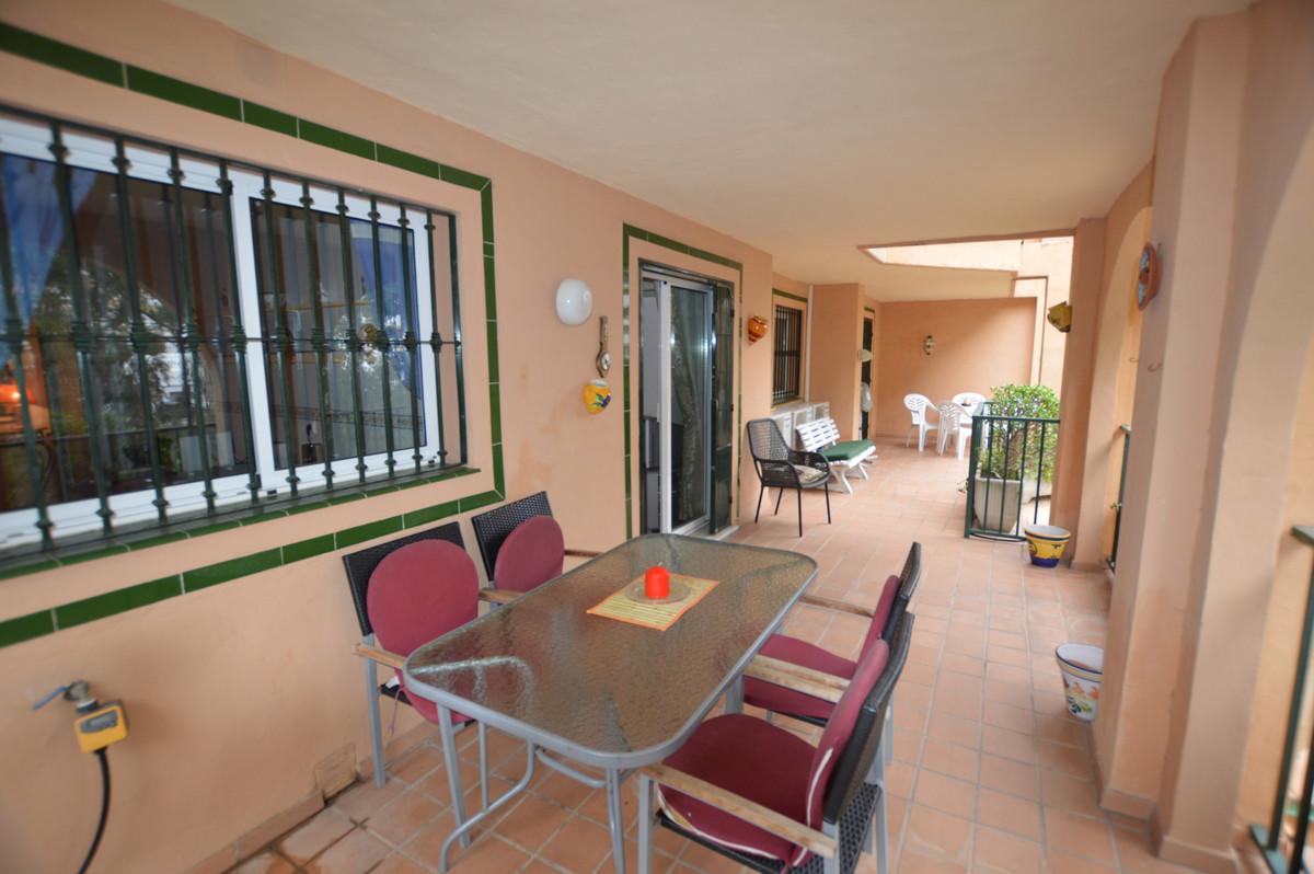 Middle Floor Apartment, Torreblanca, Costa del Sol. 2 Bedrooms, 2 Bathrooms, Built 121 m², ,Spain