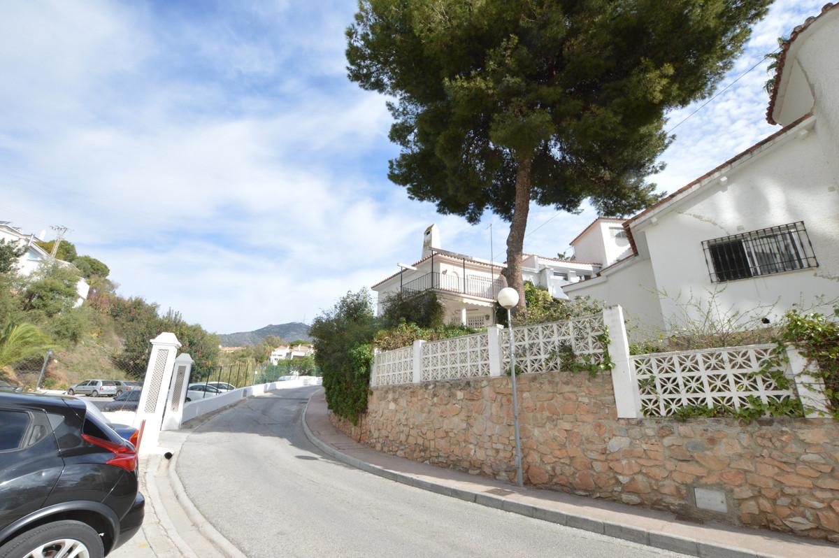 Villa  Semi Detached for sale   in Fuengirola