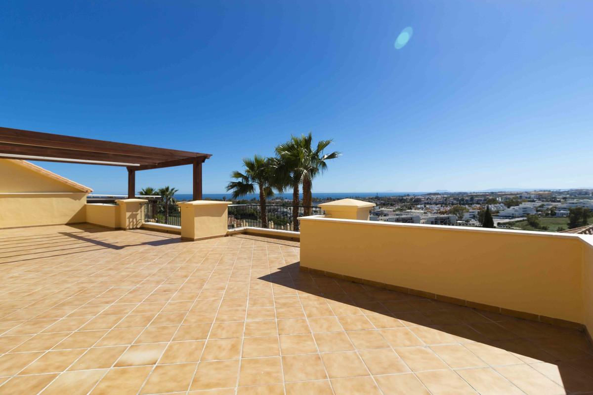 Penthouse in Nueva Andalucía R3411127
