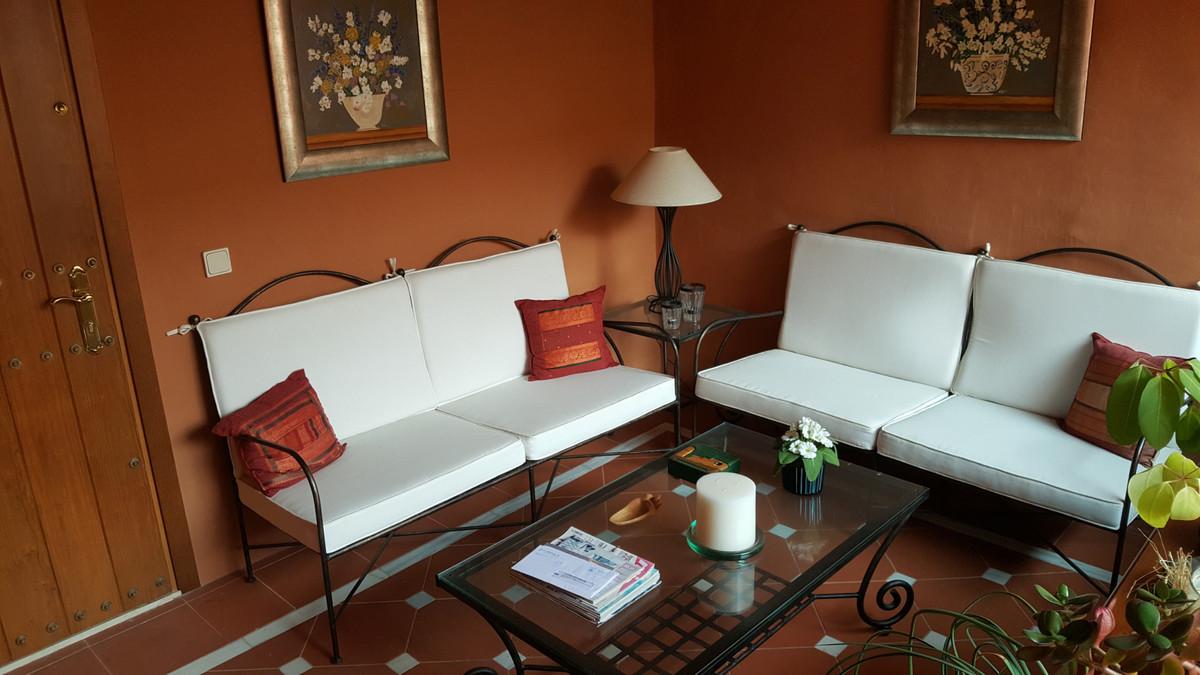 Middle Floor Apartment, Elviria, Costa del Sol. 2 Bedrooms, 2 Bathrooms, Built 85 m², Terrace 12 m².,Spain