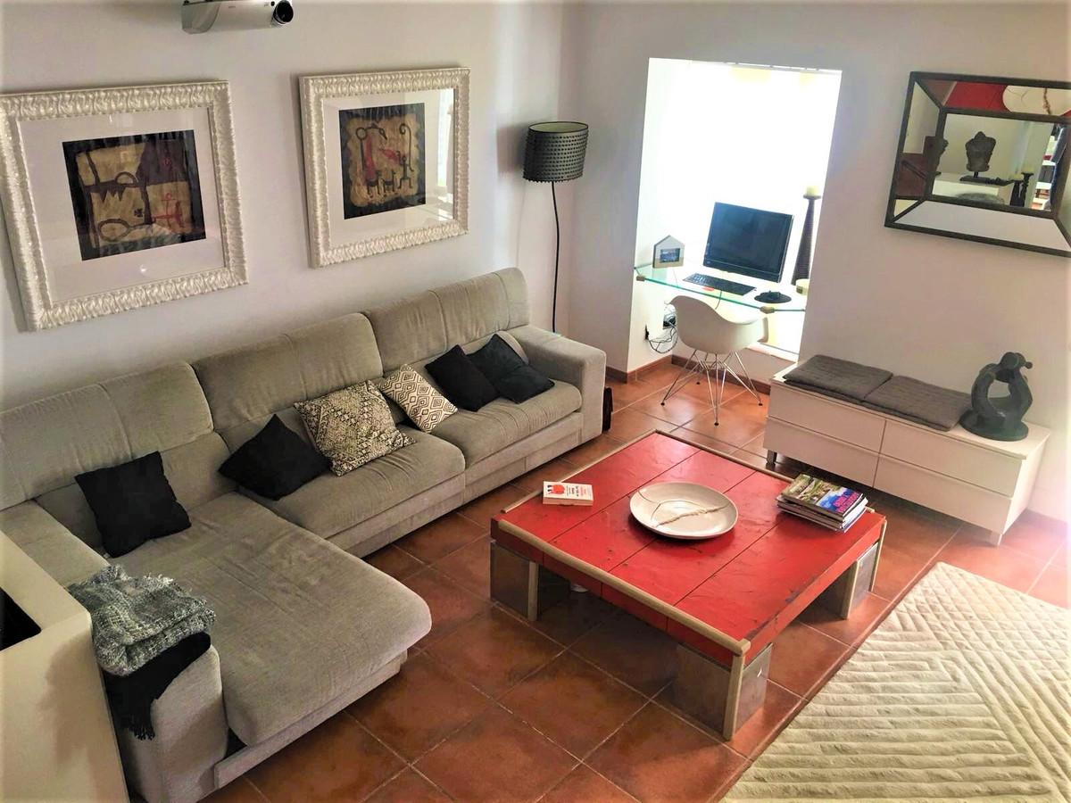 Townhouse, Nueva Andalucia, Costa del Sol. 3 Bedrooms, 3 Bathrooms, Built 0 m², Terrace 20 m², Garde,Spain