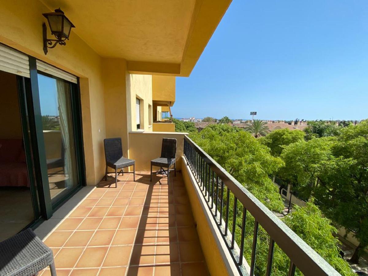 Middle Floor Apartment, San Pedro de Alcantara, Costa del Sol. 3 Bedrooms, 2 Bathrooms, Built 164 m²,Spain