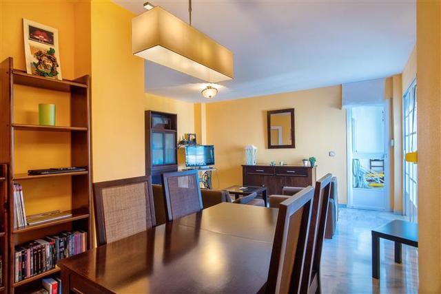 Penthouse, Atalaya, Costa del Sol. 2 Bedrooms, 2 Bathrooms, Built 100 m², Terrace 40 m².  Setting : ,Spain