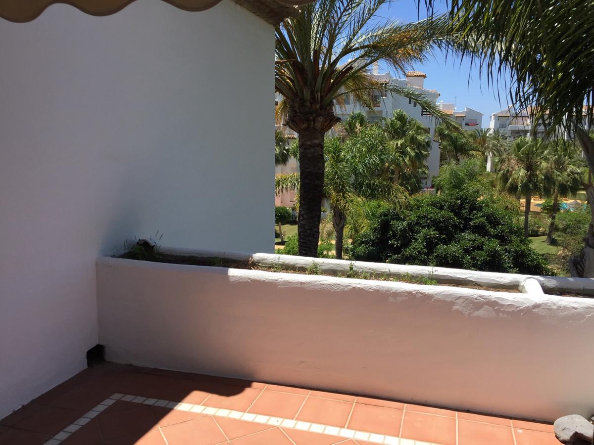 Middle Floor Apartment in Costalita R3442954