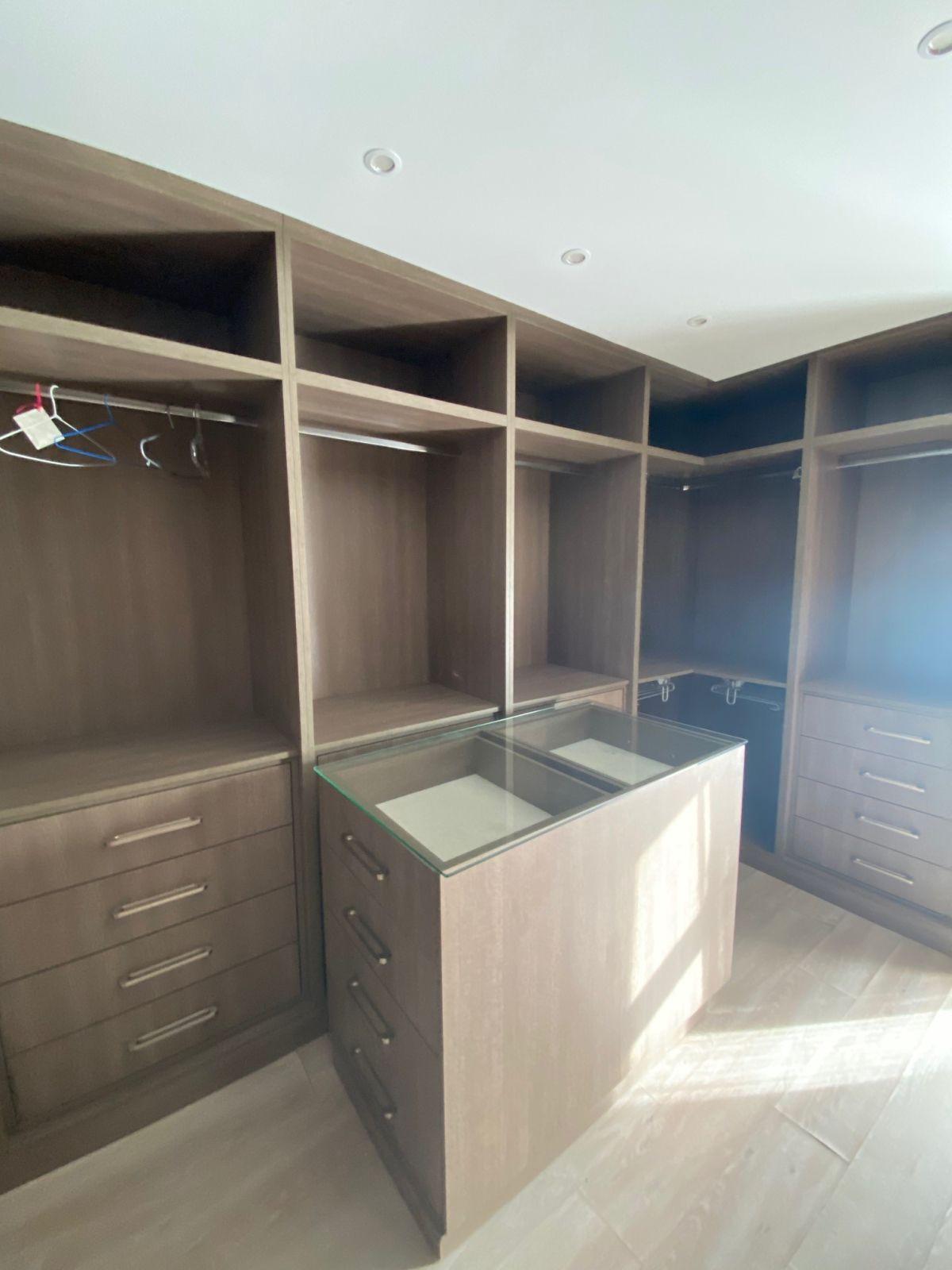 4 Bedroom Villa For Sale, New Golden Mile