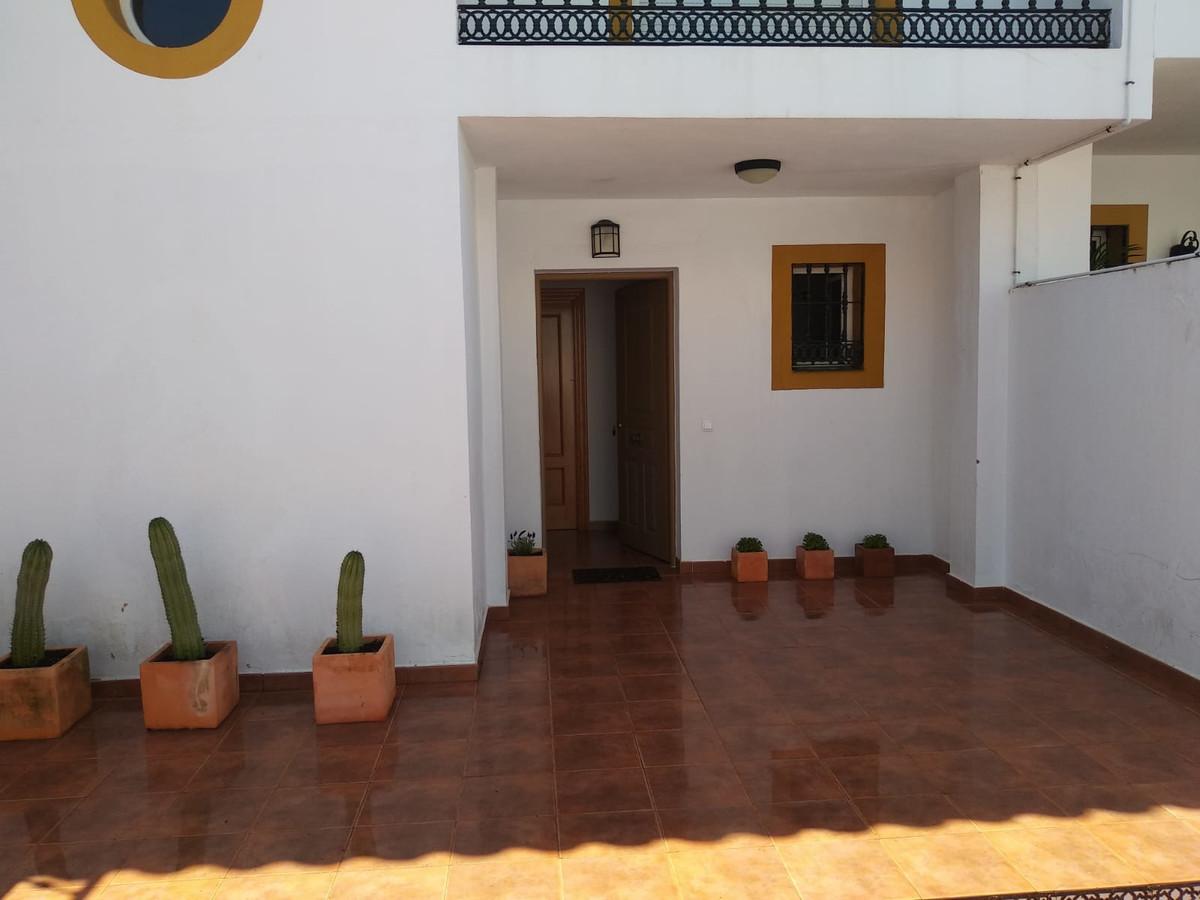 Rijhuis te koop in San Pedro de Alcántara R3462010
