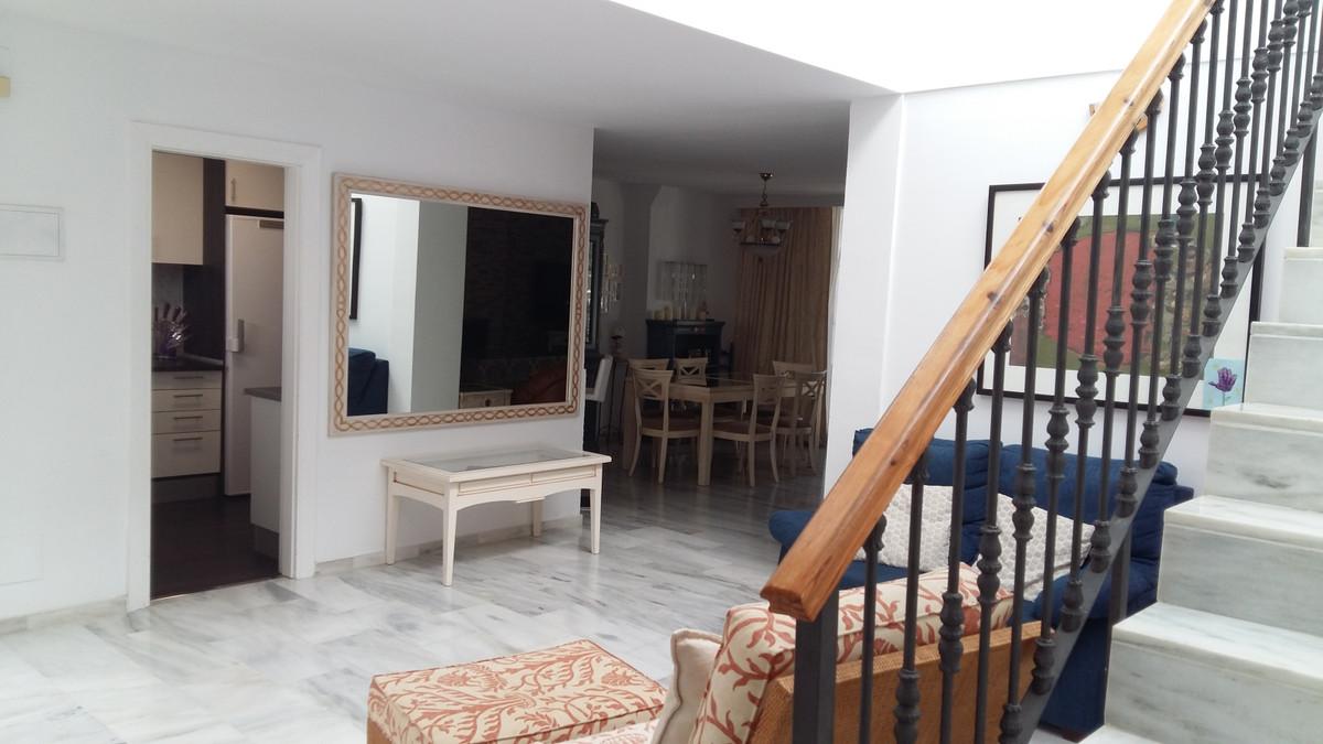 Townhouse, Atalaya, Costa del Sol. 4 Bedrooms, 4 Bathrooms, Built 160 m², Terrace 30 m², Garden/Plot,Spain