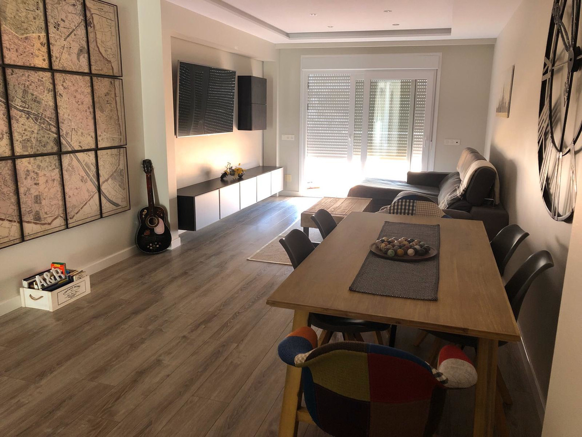 Middle Floor Apartment for sale in Selwo R3521647